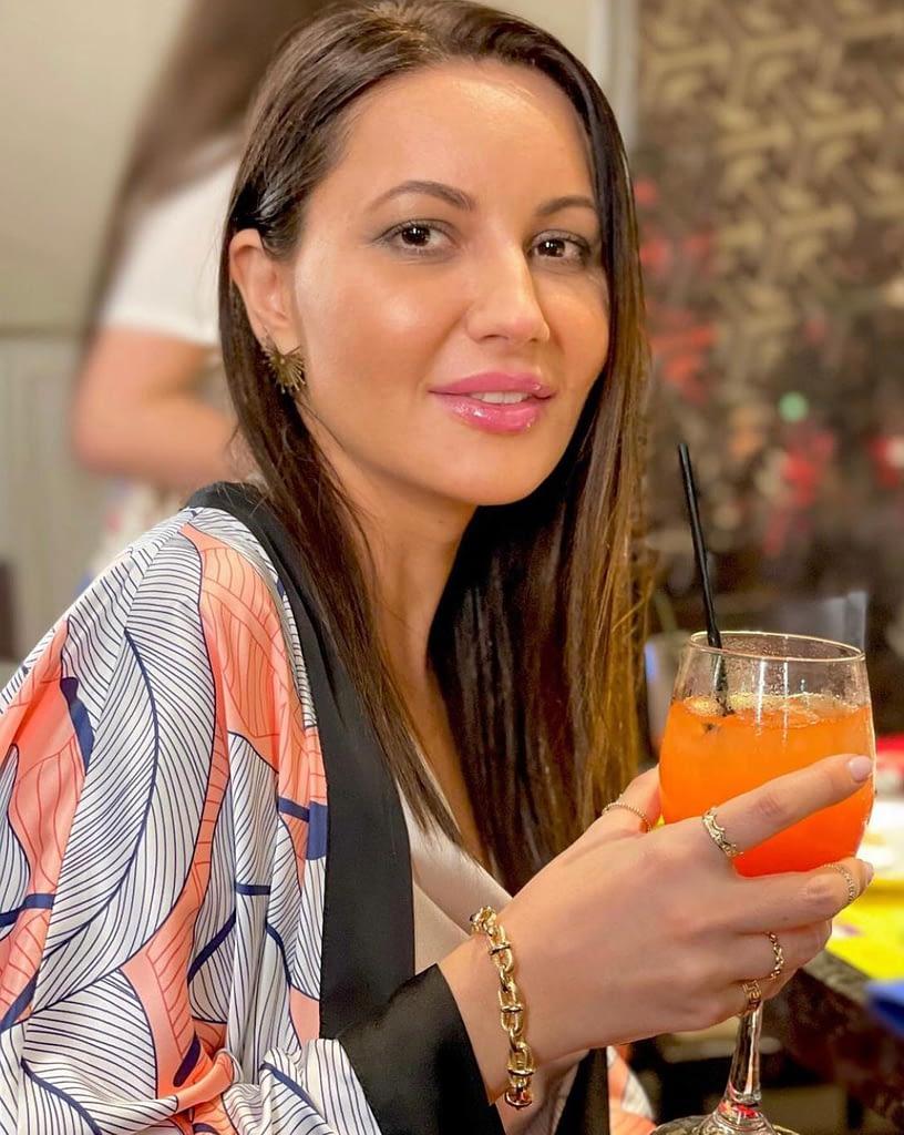 Claudia wearing Smaranda Almasan
